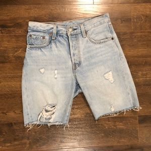 LEVI 501 cut off shorts